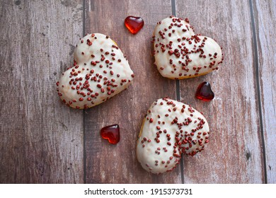 Baked hearts with topping. Romantic Valentine