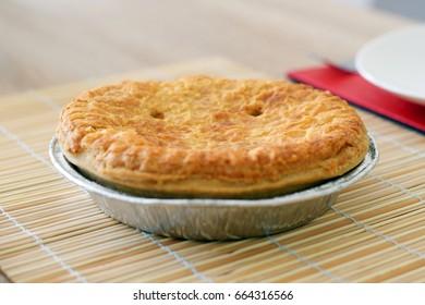 Baked round pie
