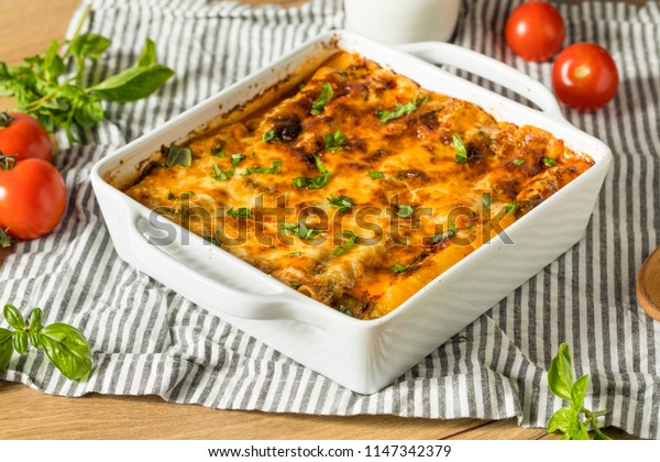 Baked Stuffed Vegetarian Cannelloni with Broccoli Basil and Cheese