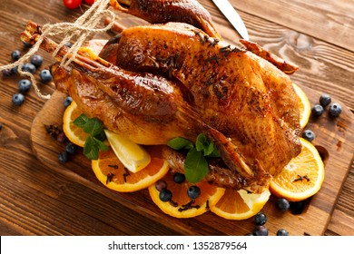 baked turkey with berries