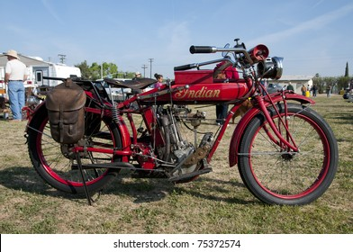 Indian Motorcycle Images, Stock Photos & Vectors | Shutterstock