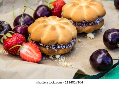 Bakery products. Delicious cakes, pastries with fruit. Breakfast.