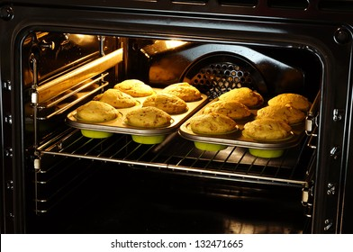 baking muffins in oven