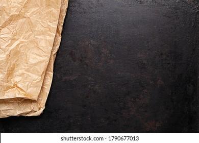 papel de cocción sobre fondo rústico antiguo