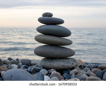 Balance stones near the sea