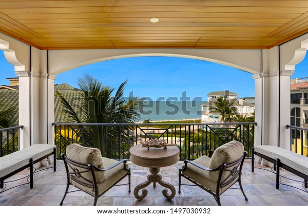 balcony-deck-seating-great-view-600w-149