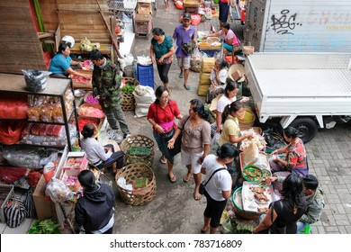 Bali, Indonesia-Dec 08, 2017:Bird eye view daily life the commercial activities at morning in the Street Market in Ubud, Bali, Indonesia.