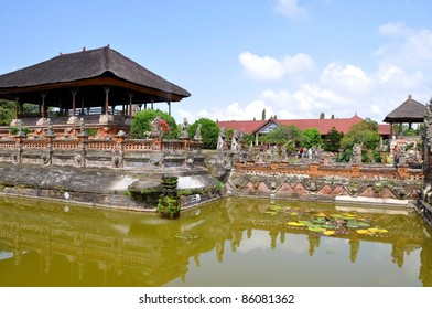 Bali, Temple in Klungkung and historic Court