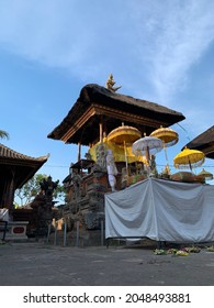 In Bali, we are praying at temple and using flowers, leaves, incense. Trere are a lot of ornaments on the builings