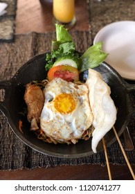 Balinese Mixed Rice with egg and chicken