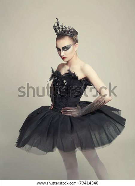 Ballerina Black Swan Stockfoto (Jetzt bearbeiten) 79414540