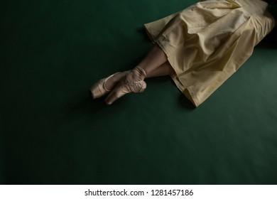 ballerina pulls socks
