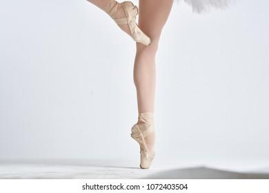 ballerina's feet, pointes