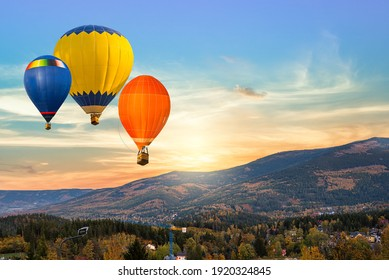 balloon against the backdrop of sky and sunset, silence of nature