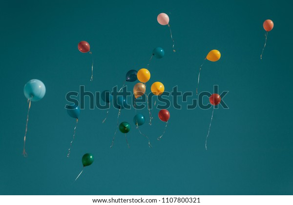 balloons-flying-away-movie-shot-600w-110