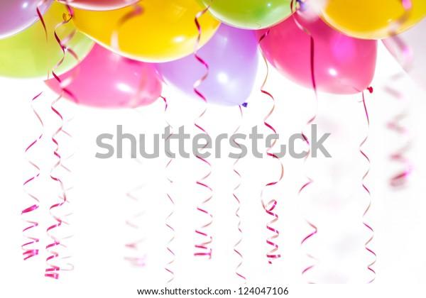 Ballons mit Räubern zum Geburtstag, Feier einzeln auf weißem Hintergrund