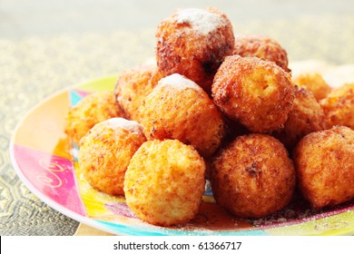 Balls from the cottage cheese, the  dessert
