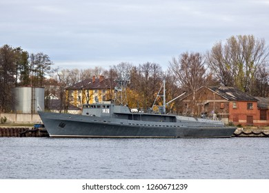 BALTIYSK, RUSSIA  - NOVEMBER 04, 2018: Torpedo ship TL-1476 of the project 1388. Boat intended for search and lift practical torpedoes launched at the exercises by ships and torpedo boats.