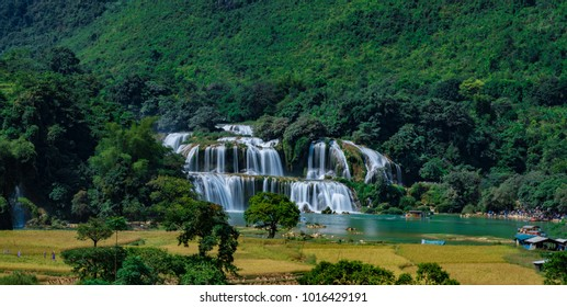 Ban Gioc Waterfall - Detian waterfall Ban Gioc Waterfall is the most magnificent waterfall in Vietnam, located in Dam Thuy Commune, Trung Khanh District, Cao Bang.