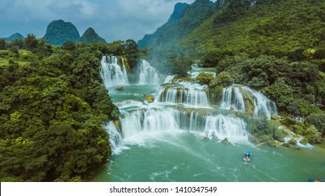 Ban Gioc Waterfall is the world's fourth largest waterfall in waterfalls located on a border between countries