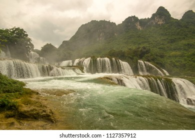 ban jock waterfall landscape, Vietnam China border