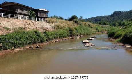 Ban Muang Phrae, Na Haeo district, Loei Province is the Thai-Laos border. With the Hueang River Is the boundary line