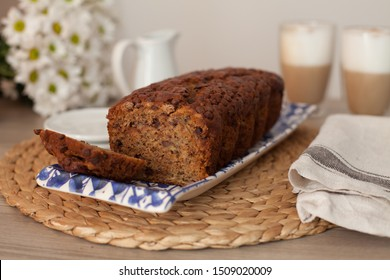 banana bread with chocolate chip