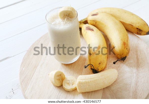Banana lassi smoothie