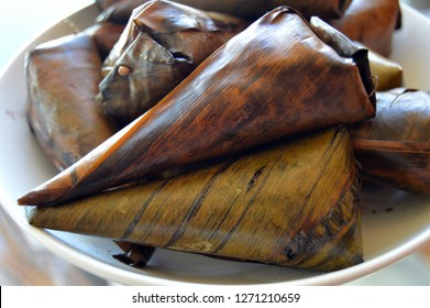 banana leaves wrapped FIlipino rice suman