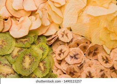 banana, melon, kiwi and apple fruit chips