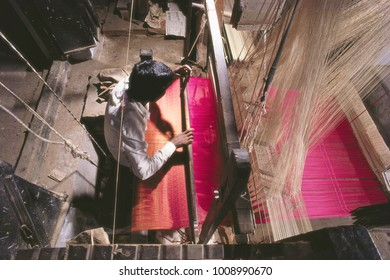 BANARASI SAREE WEAVER ON HIS LOOM, HANDLOOM,TRADITIONAL INDIAN HANDICRAFTS