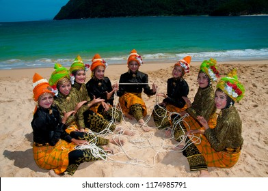 BANDA ACEH, Aceh/INDONESIA, May 19, 2010: Tari Tarek Pukat, The traditional aceh dance that contains the value of the mutual cooperation or a fellow fisherman,