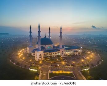 Bandar Dato Onn, Johor Bahru Johor - October 2017 scenic aerial view of Masjid Sultan Iskandar Bandar Baru Dato' Onn Johor Bahru during dawn
