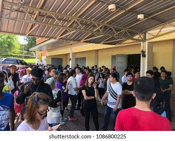 Bandar Seri Alam, Johor - 9 May 2018 : Many people was que in line during polling of election day to choose leader of country and state