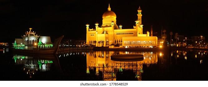 Bandar Seri Begawan / Brunei - May 2017: Omar Ali Saifuddien Mosque at night.