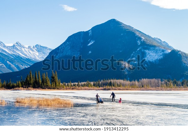 banff-canada-december-2020-beautiful-600