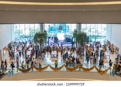 BANGK0K, THAILAND - DECEMBER 05 2018: Large amount of people in first Apple store in Thailand at Iconsiam, one of the biggest department store in Thailand.