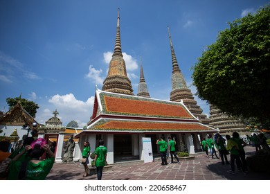 Bangkok - 28 September 2014: Wat Pho the thai temple in Bangkok Is a famous And has been popular with tourists the world over.