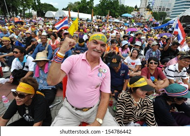 BANGKOK - AUG 4: Several thousand anti-government protesters rally at Lumpini Park on Aug 4, 2013 in Bangkok. The royalist protesters known as the People's Army call for the government to be removed.