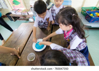 BANGKOK CITY, THAILAND - Dec 2017: In the Dec 22, 2017. Bangkok County. Activity of teaching kindergarten education. students are learning Science. in Activity science Day.
