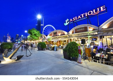 BANGKOK - December 15 : ASIATIQUE The Riverfront Factory District on December 15, 2016 in Bangkok, Thailand. Over 500 fashion boutiques housed in Factory District of Asiatique The Riverfront.