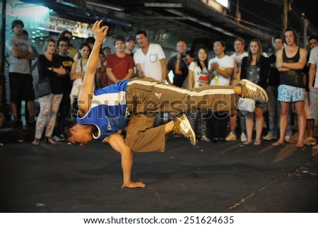 Bangkok teen dancers