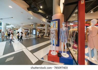 BANGKOK - JUL 28 : The fashion on mannequin in Terminal 21 Department Store  on Jul 28, 2017 in Bangkok , Thailand.