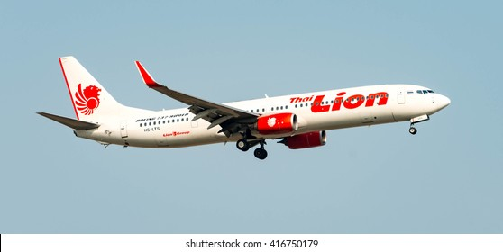BANGKOK - March 20, 2016: Lion Air Boeing 737-900ER Low Cost Airline Registration prepare for landing at DON MUEANG AIRPORT on  March 20, 2016  Bangkok, Thailand.