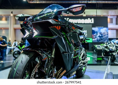 "BANGKOK - MARCH 24 : Kawasaki Ninja H2 at The 36th Bangkok International Motor Show ""Art of Auto"" on March 24, 2015 in Bangkok, Thailand."