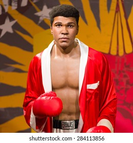 BANGKOK - OCT 21: A waxwork of Muhammad Ali on display at Madame Tussauds on Oct 21, 2012 in Bangkok, Thailand. Madame Tussauds' newest branch hosts waxworks of numerous stars and celebrities.