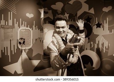 BANGKOK - OCT 28: A waxwork of Yodrak Salakjai on display at Madame Tussauds on October 28, 2015 in Bangkok, Thailand. Madame Tussauds' newest branch hosts waxworks of numerous stars and celebrities.
