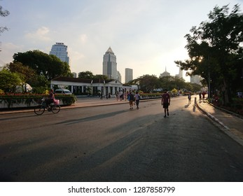 Bangkok Thailand.24Sep2018, Peoples jocking in the evening at Lumphini Park