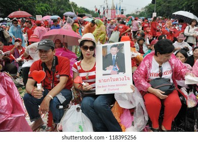 BANGKOK - SEPT 15: Red-shirt supporters rally at Democracy Monument to mark the 6th anniversary of a coup that ousted former prime minister Thaksin Shinawatra on Sept 15, 2012 in Bangkok, Thailand.