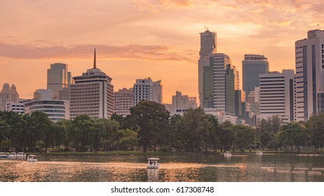 Bangkok Skyline with twilight sky, Cityscape with the Bangkok Tallest Building